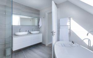 Uit welke onderdelen bestaat een badkamermeubel?